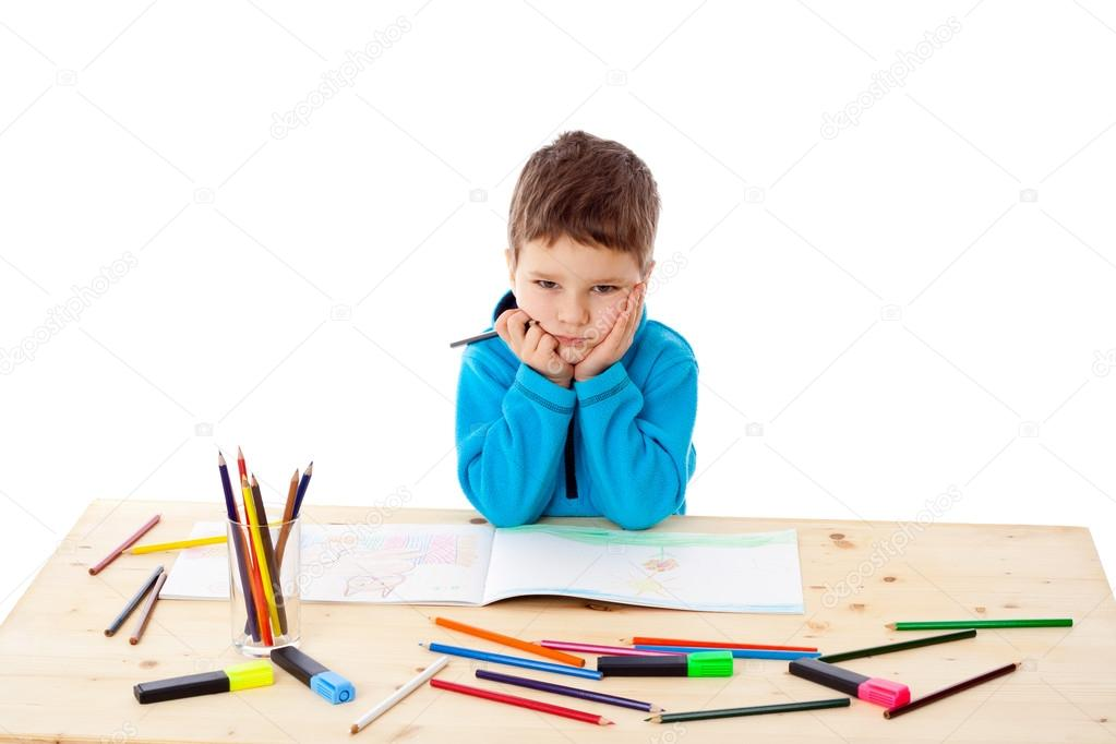 Dibujos: niñas tristes a lapiz | Triste niño dibujar con lápices de ...