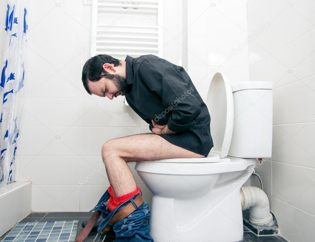 Фото члена мужчины в туалете 12