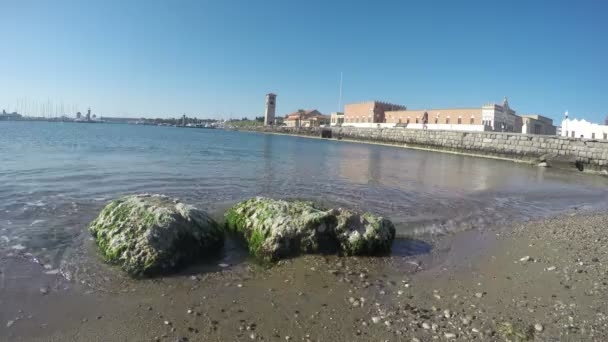 Přístav město Rhodos, Dodecanese, Řecko. Time-Lapse 4k