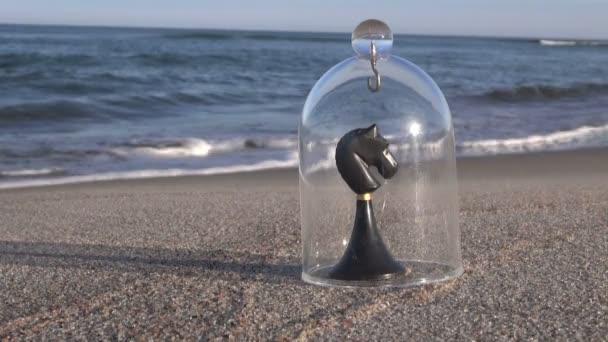 Šachová hra rytíř po moři se kus skla