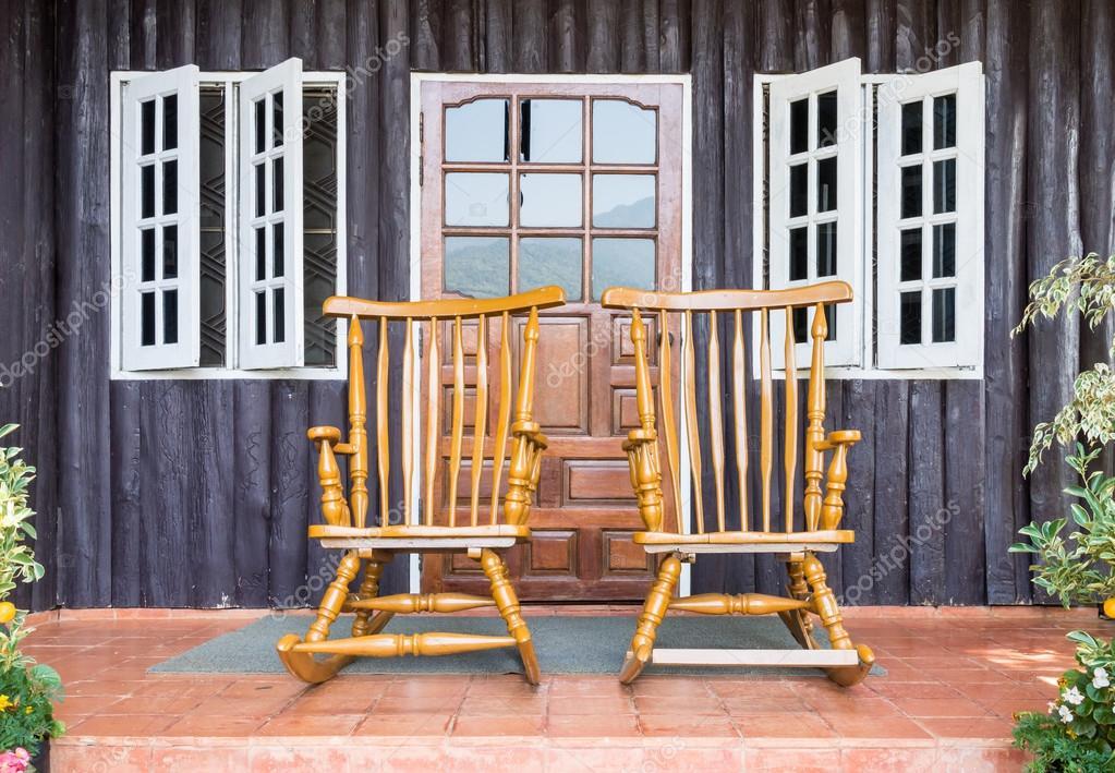 Sedie A Dondolo Depoca : Sedia a dondolo in legno u foto stock trainman