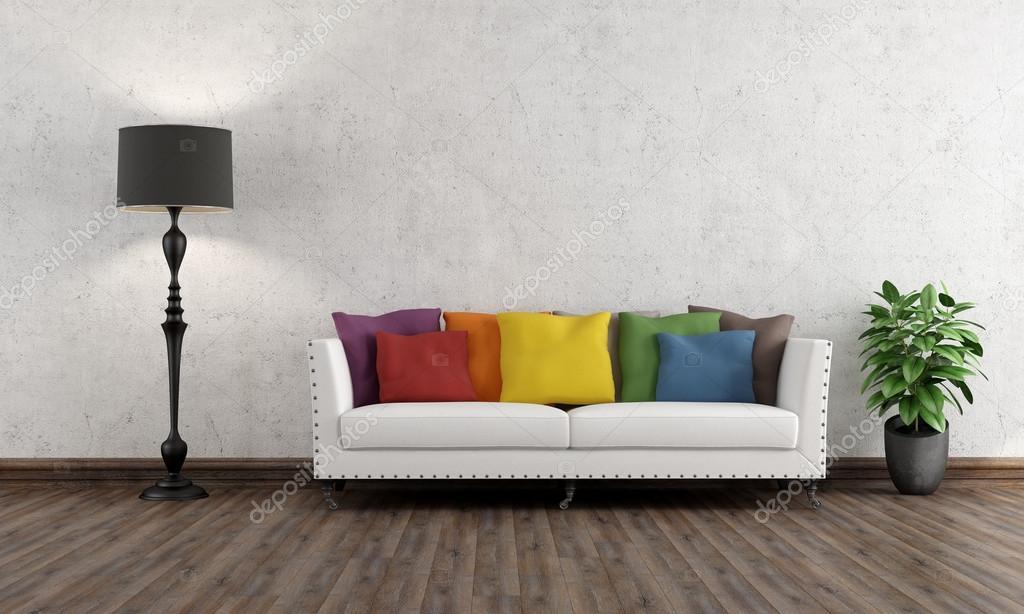 Retro woonkamer met kleurrijke Bank — Stockfoto © archideaphoto ...