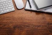 Elektronika a poznámky k tabulce s Copy prostor