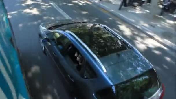 Auto na ulicích Barcelony. Střelba z výše