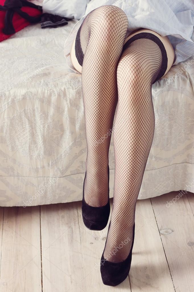 Hermosas piernas de una nena en la combi - 4 6