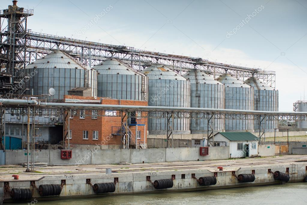Larger feed industry by the sea, where it is processed grains