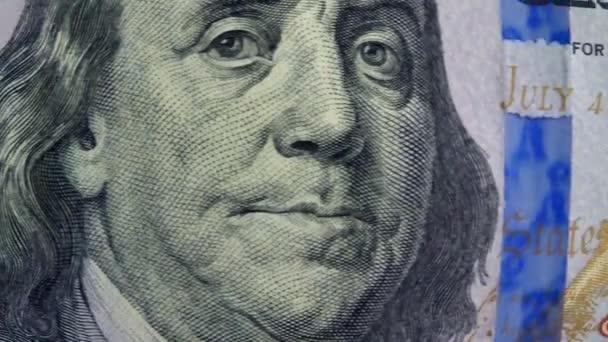 100 dolar bill peníze