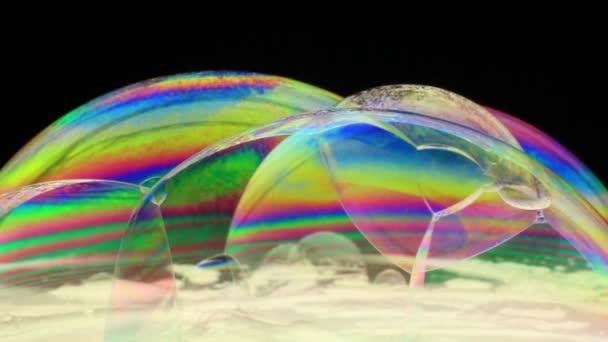 barevné mýdlové bubliny