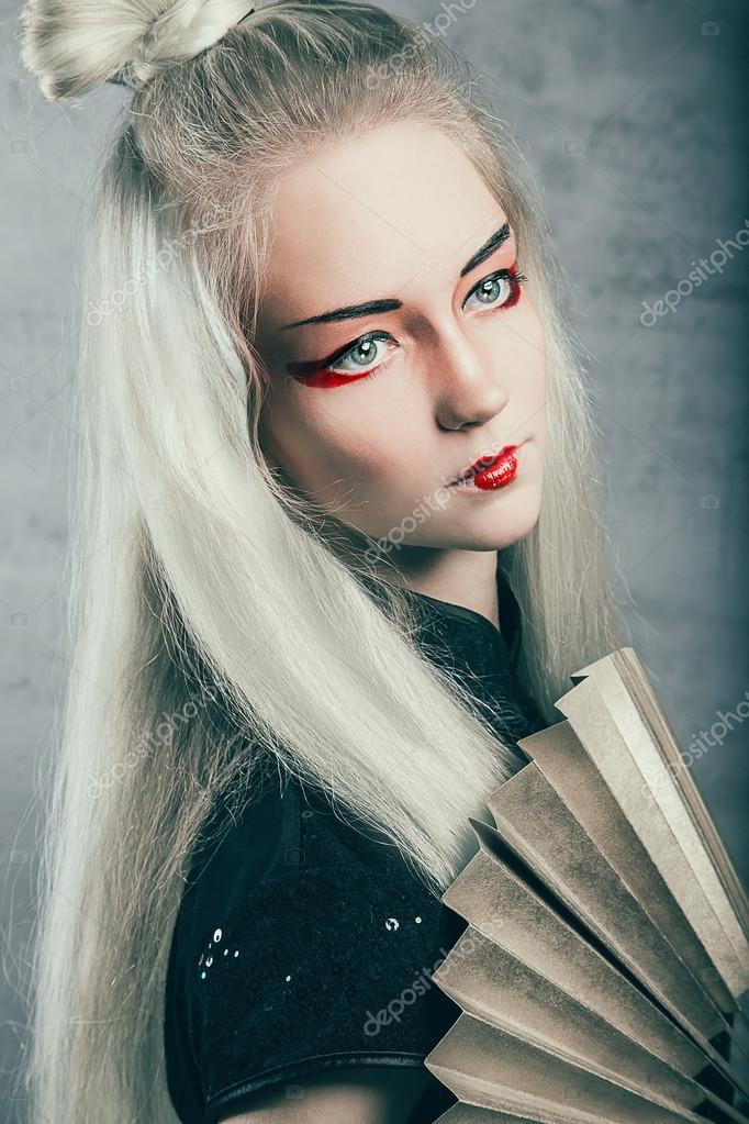 Curvy blonde model sophie
