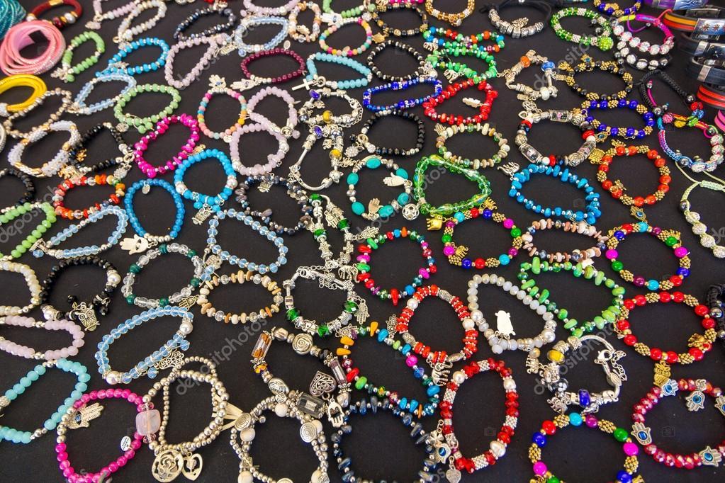dbd97df03f φθηνά κοσμήματα βραχιόλια — Φωτογραφία Αρχείου © James633  61310445