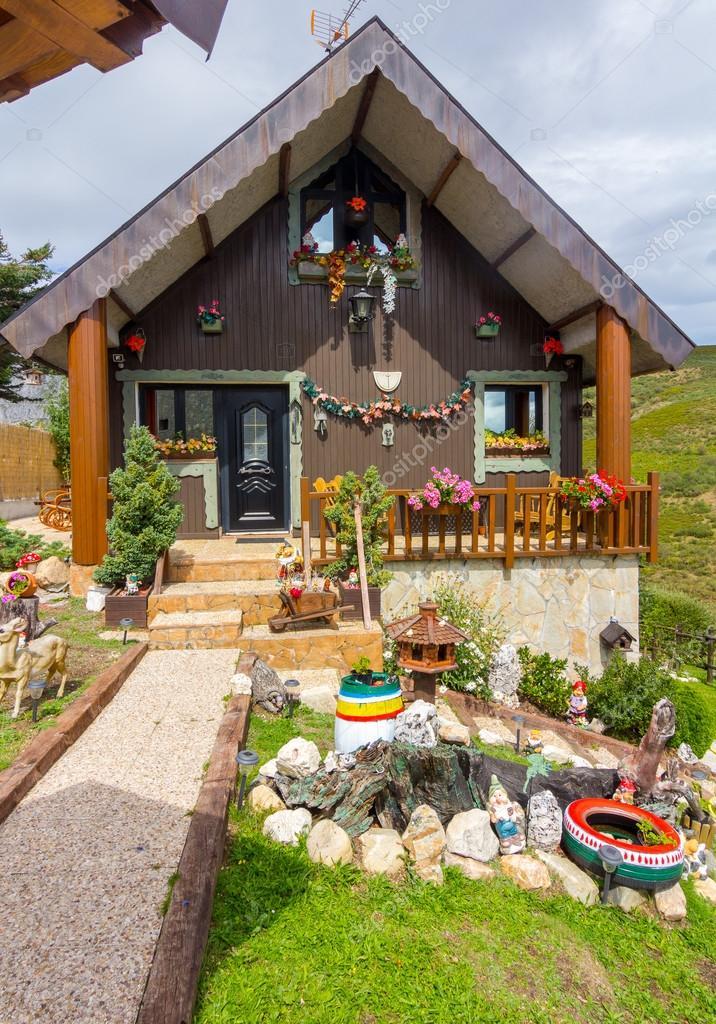 sch ne h user im hochgebirge im sommer stockfoto james633 92201548. Black Bedroom Furniture Sets. Home Design Ideas