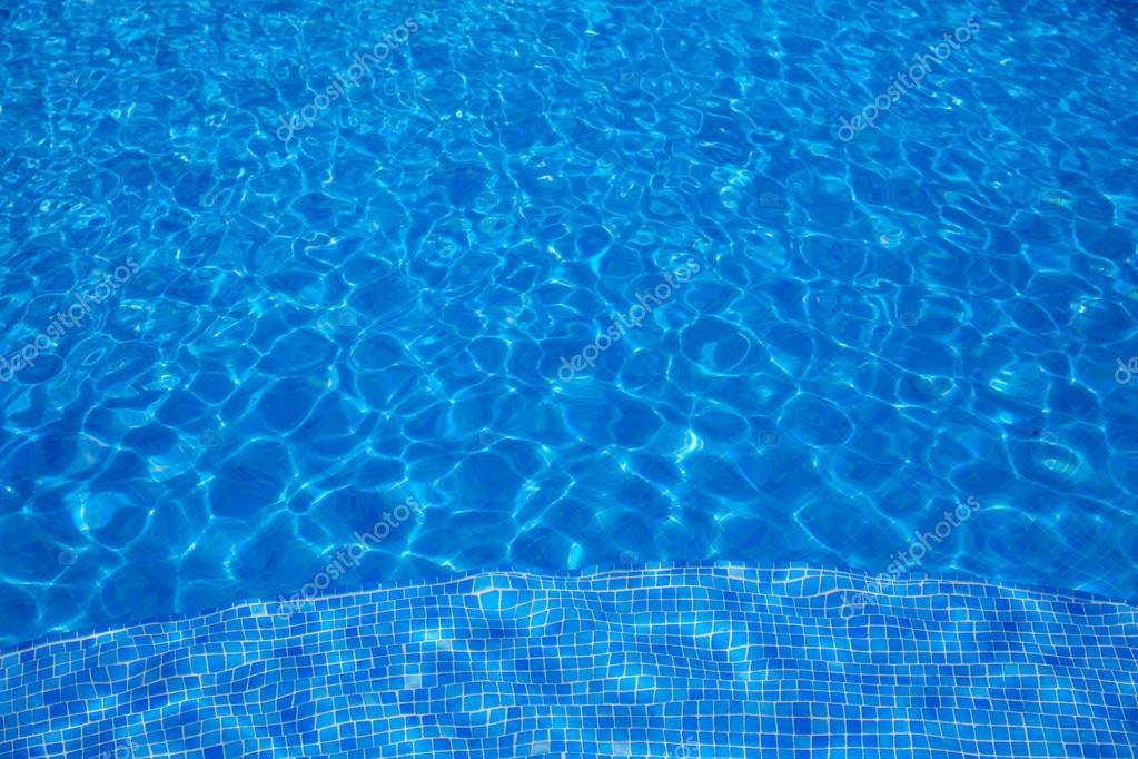 La struttura dellacqua blu piastrelle piscina u2014 foto stock