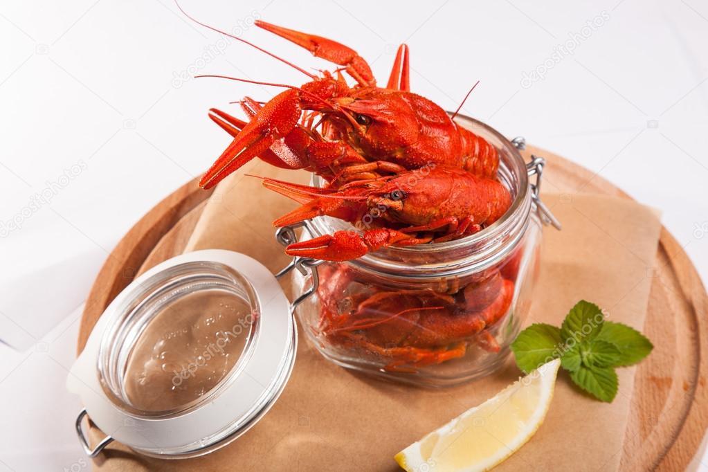 https://st2.depositphotos.com/1054638/11783/i/950/depositphotos_117835484-stock-photo-boiled-crabs-in-the-pot.jpg