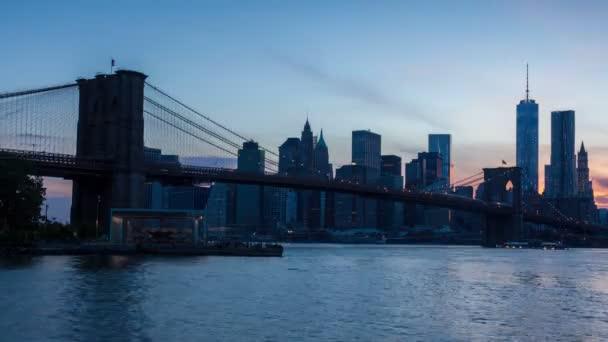 4K Sunset timelaspe of Manhattan skyline and Brooklyn bridge - New York - USA