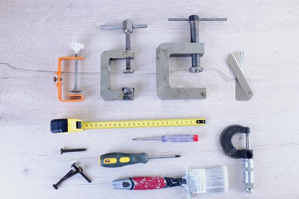 herramientas para la renovación de carpintería y el hogar en un ...