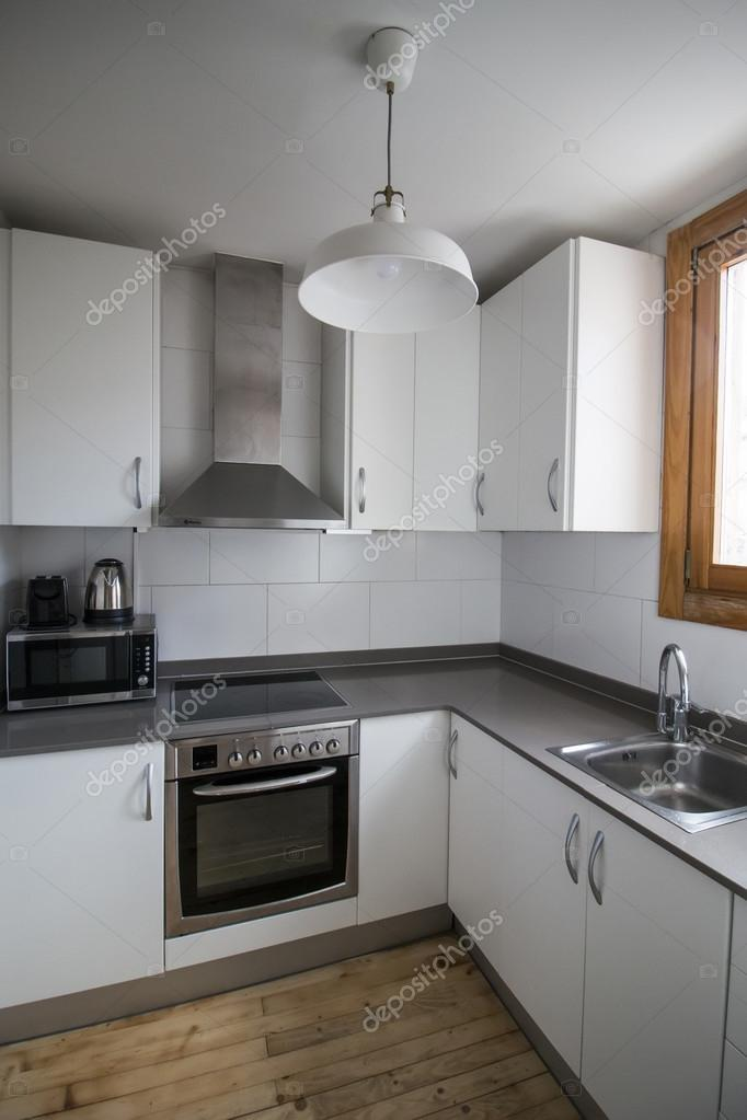 Small Modern Kitchen In Apartment U2014 Fotografia De Stock