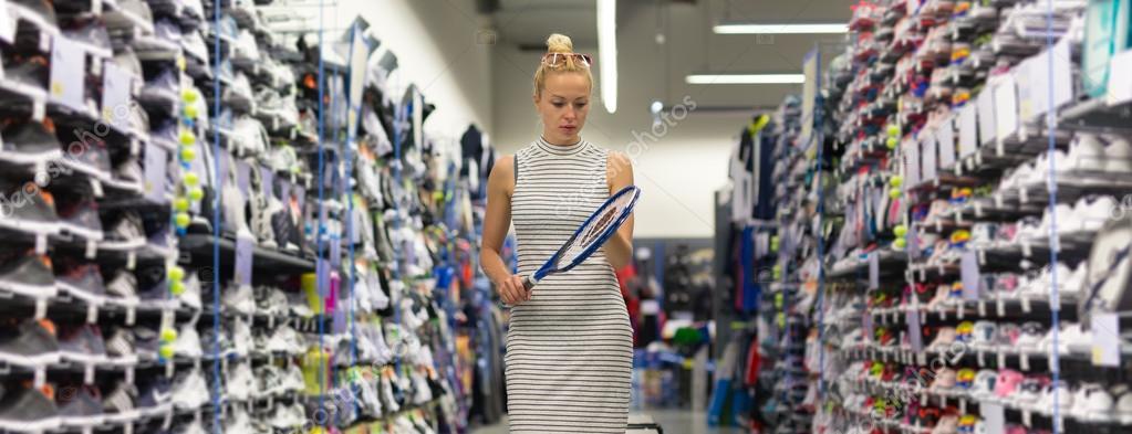 ff48eb0ef Loja de equipamento de desporto comercial mulher no sportswear ...