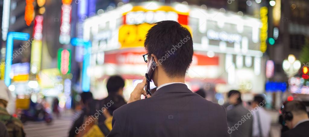 randi egy nemzetközi üzletember