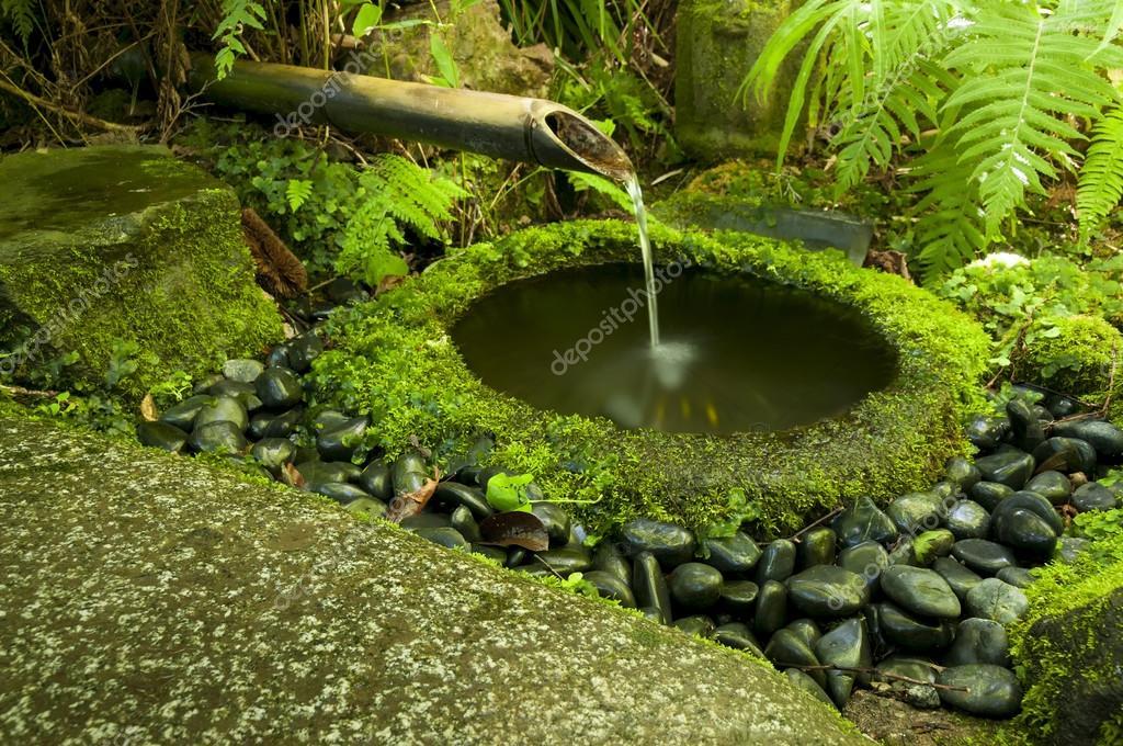 Japanischer Bambus Brunnen Stockfoto C Mahroch 66481699