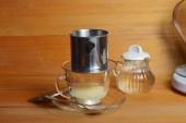 Csöpög kávéfőző francia sajtó módszer