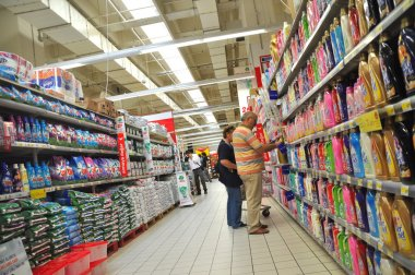 Carrefour Istanbul, cleaners section
