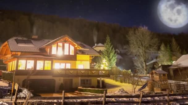 Imagenes De Hermosa Casa De Madera En Alta Montana Cubierta Por La