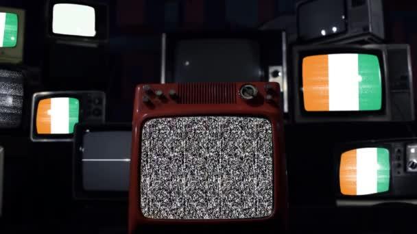 Vlajka Pobřeží slonoviny a Vintage Televisions.