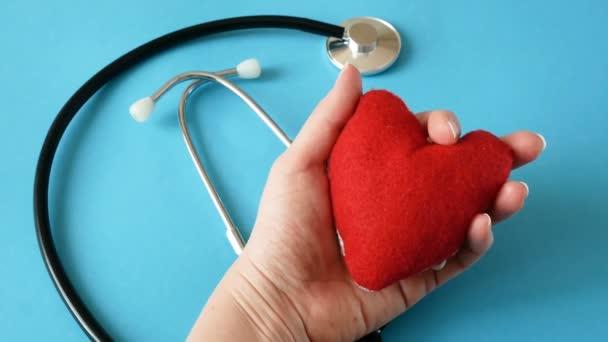 Amerikai nemzeti zászló és szív. amerikai szív hónap februárban