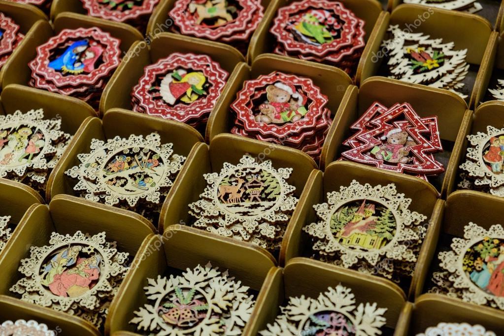 Decorazioni In Legno Natalizie : Handmade intagliato in legno decorazioni di natale in scatole