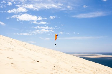 Dune of Pilat paragliding