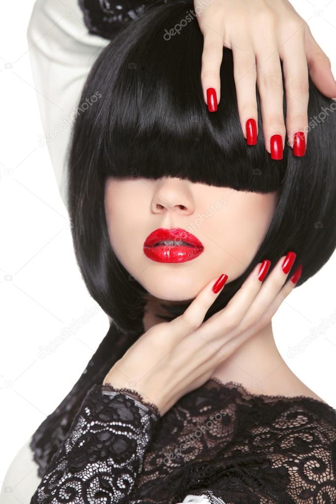 Modele De Mode Frange Longue Noire Levres Sexy Rouges Bob