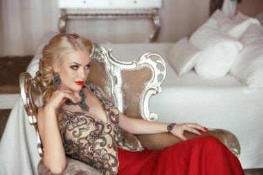 Fashion beauty portrait of beautiful sensual blond woman with ma