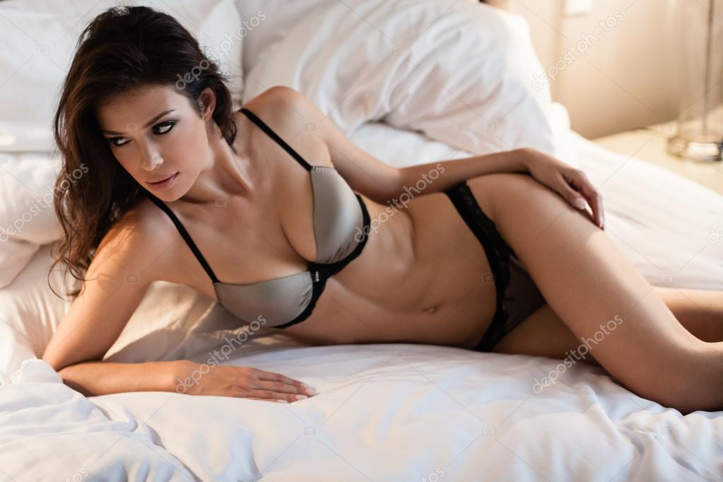 Anne hathaway hot body