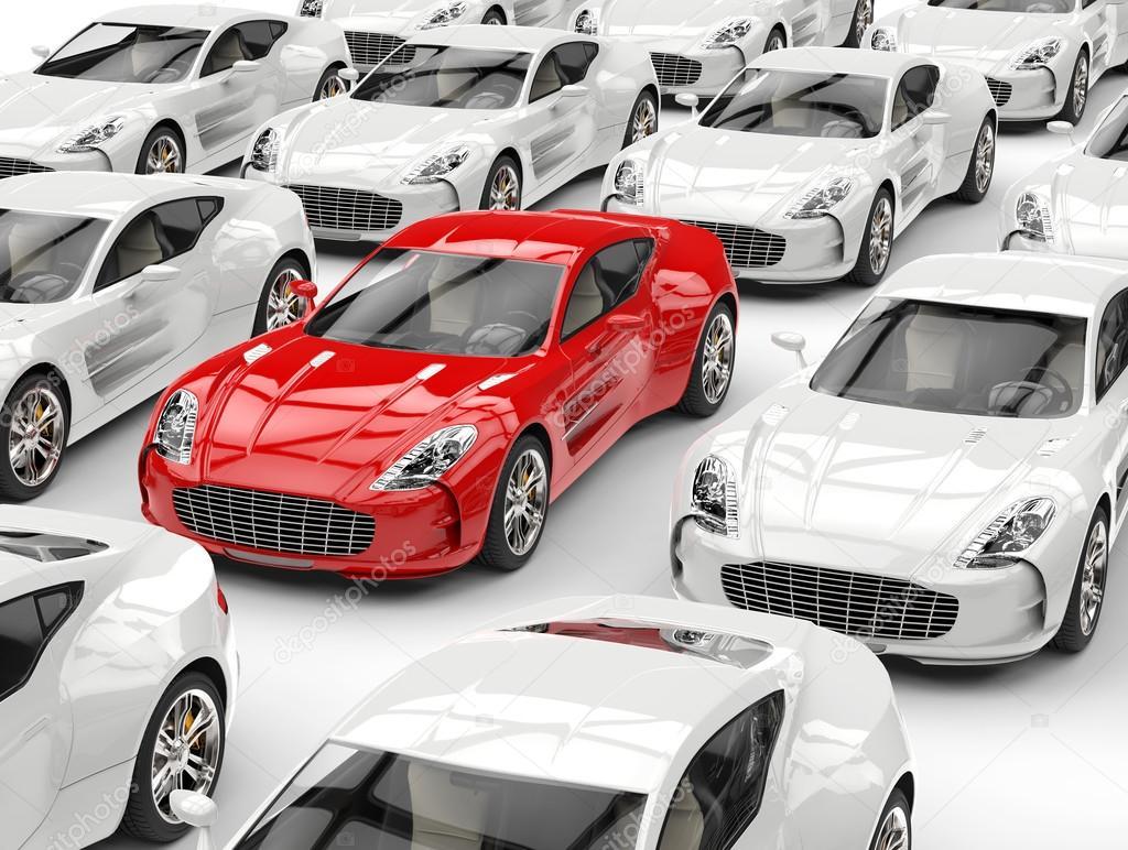 Elegante coche deportivo rojo destaca en la multitud de coches ...