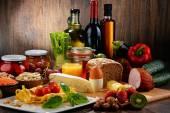 Složení s řadou organických potravin