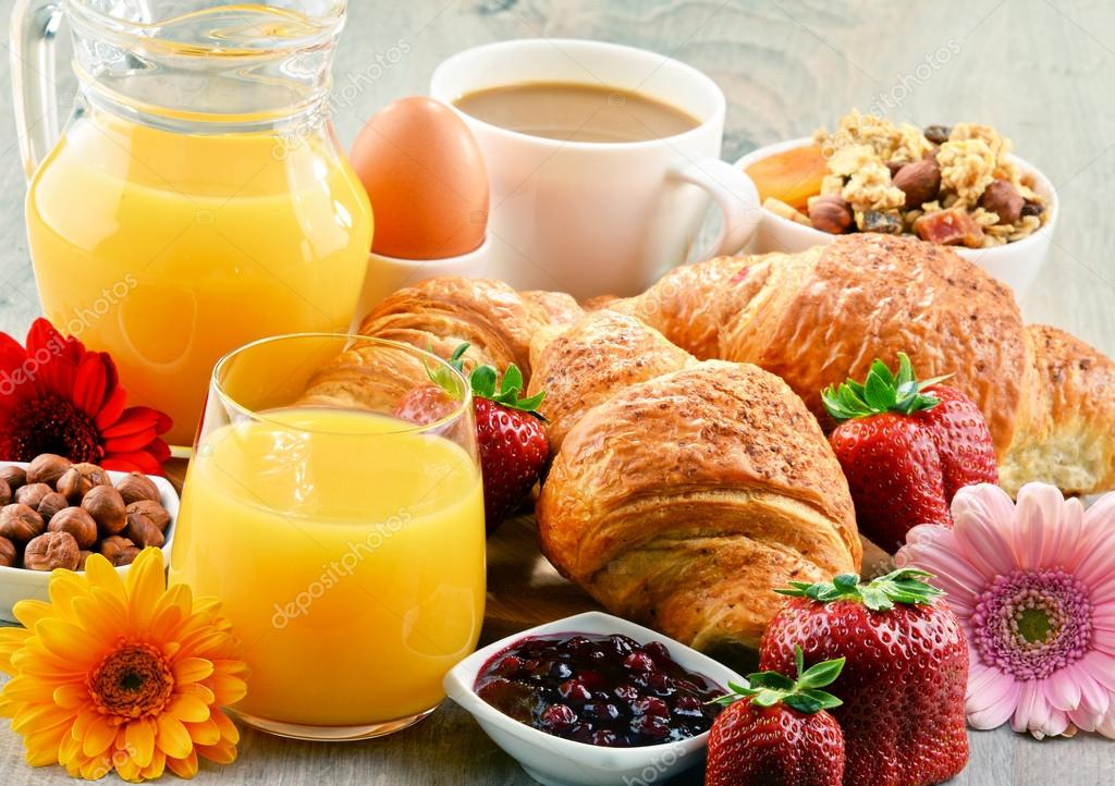 Discussion sur l' Etoile de TF1 du 08 octobre 2017 - Page 7 Depositphotos_117079106-stock-photo-breakfast-consisting-of-croissants-coffee