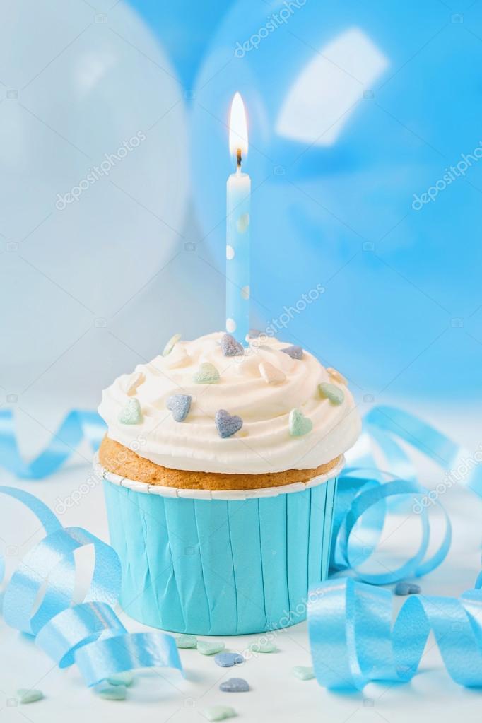 Blaue Tasse Kuchen Mit Geburtstag Kerze Stockfoto C Egal 122438230