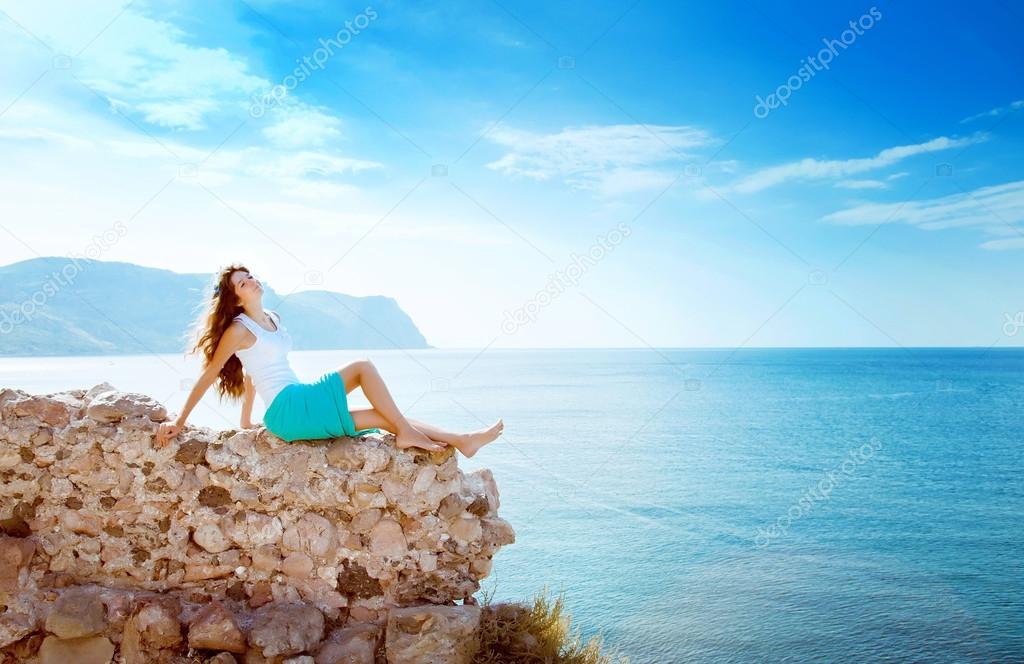 Фото девушек на фоне моря фото 227-691