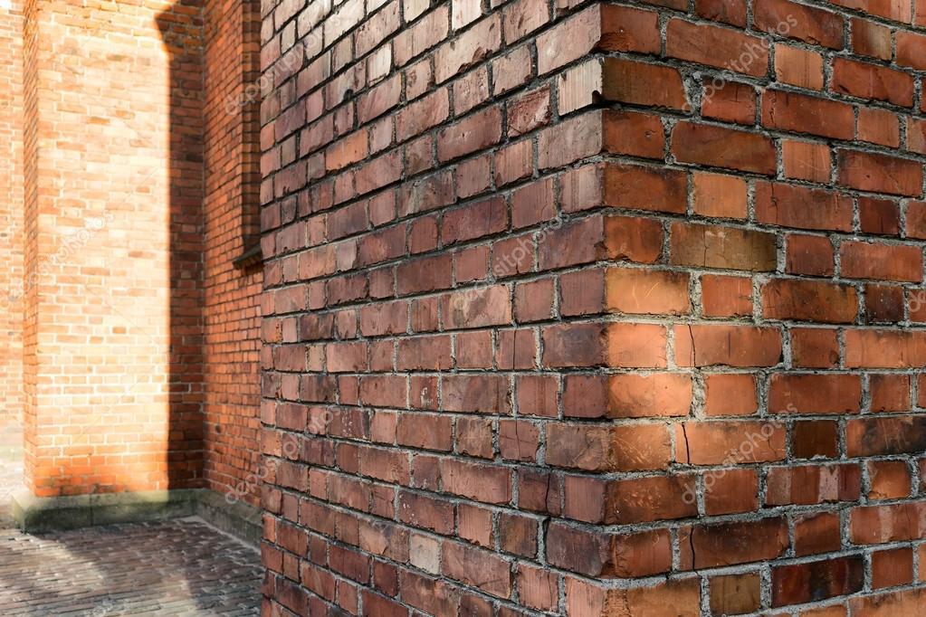fissure maison brique rouge ventana blog. Black Bedroom Furniture Sets. Home Design Ideas
