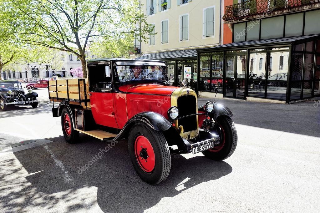 vieille voiture citro n des ann es 1920 photo ditoriale gilles paire 72393661. Black Bedroom Furniture Sets. Home Design Ideas