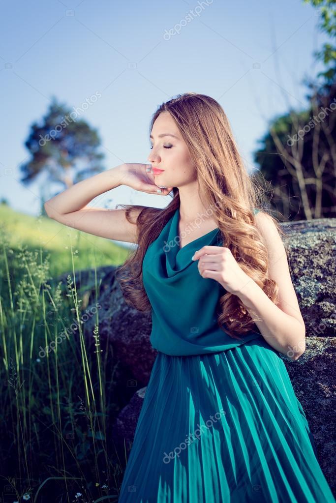 Vestido de seda verde esmeralda