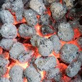 Textury closeup uhlíků, uhlíky po požáru