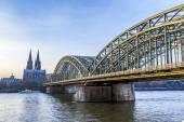 Fotografie Kölner Dom und die Skyline, Deutschland