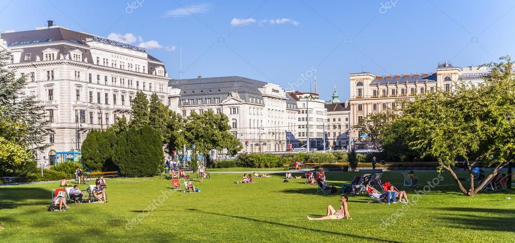people relax at Sigmund-Freud Park in Vienna