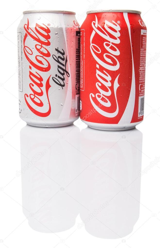 coca-cola regular y coca-cola light — foto editorial de stock
