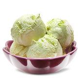 zmrzlina izolované na bílém
