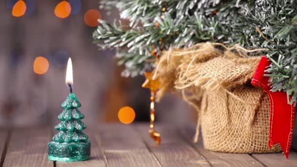 Svíčky světlo, romantické pozadí pro nový rok, Vánoce