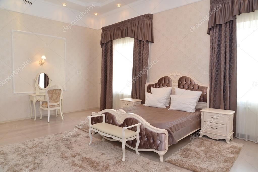 Interieur van een slaapkamer van een dubbele hotelkamer \