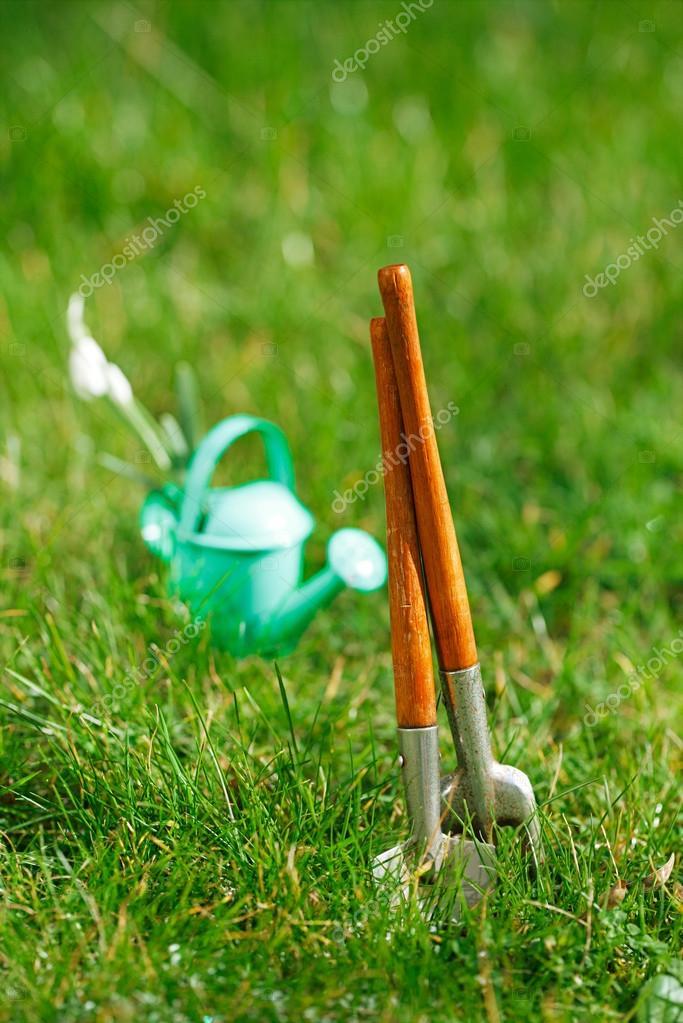 decorative small gardening tools