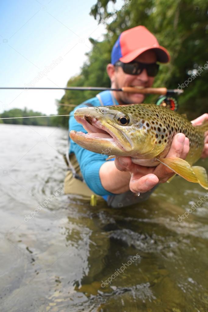 когда начинается рыбалка по открытой воде